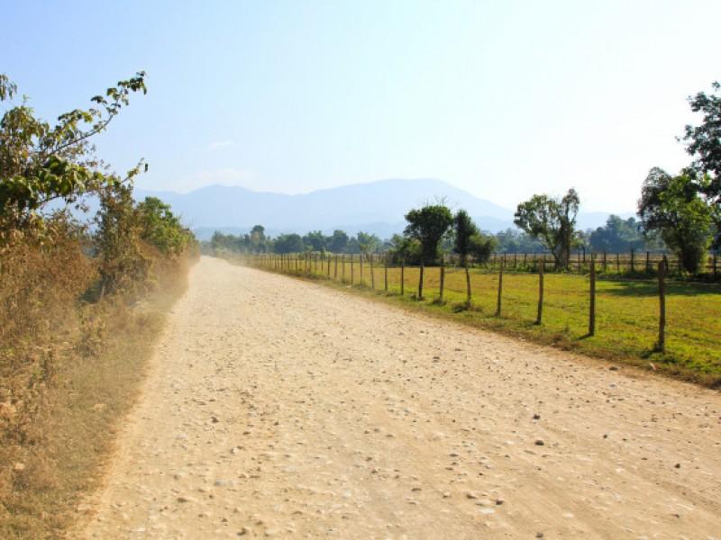 Mejoran caminos en San José