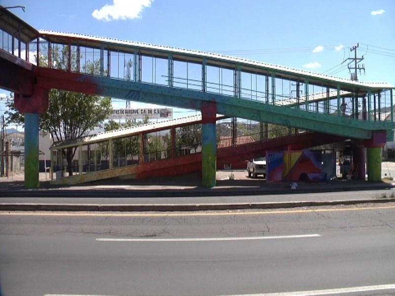 Mejoran vista de puente peatonal de la juventud