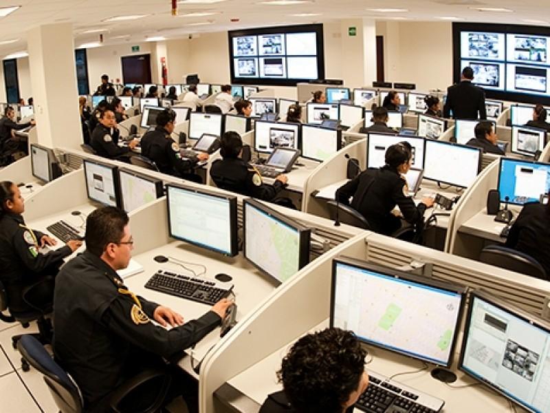 Mejoras laborales para operadores de 911 y Locatel