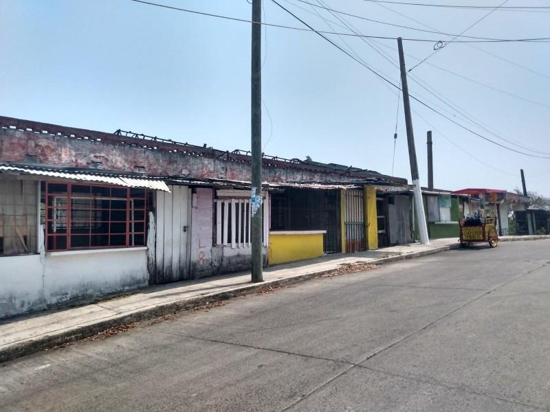 """Mercado """"El Esfuerzo y la Esperanza"""" en abandono"""