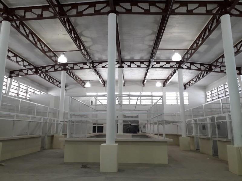 Mercado municipal de Huatabampo presenta un 75% de avance