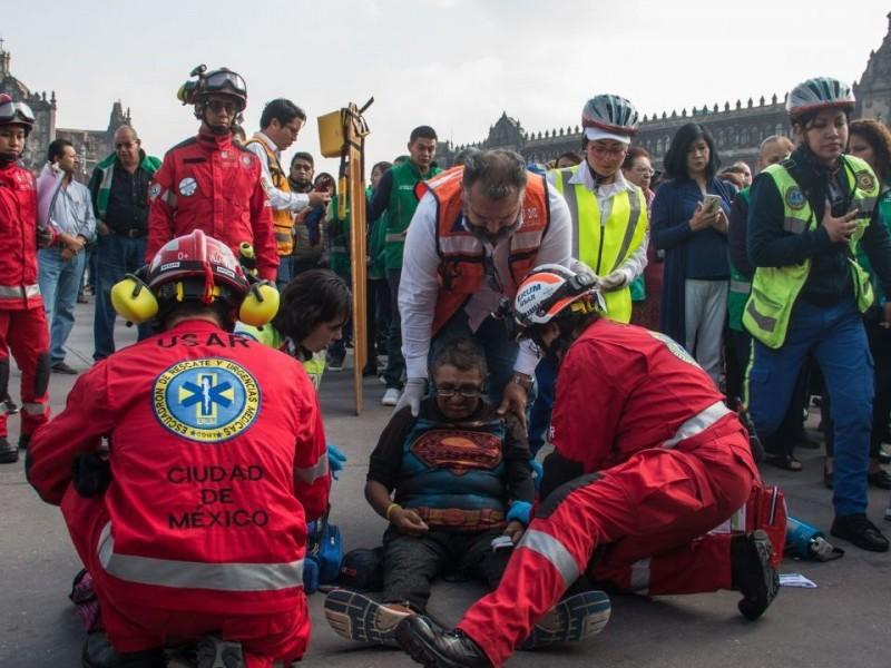 Mexicanos participan en primer Simulacro Nacional 2021
