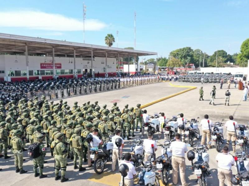 México blinda Río Suchiate para frenar caravana migrante