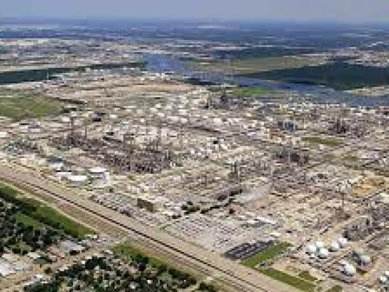 México compra refinería en Texas