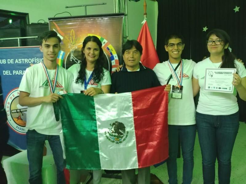México con medallas en Olimpiada de Astronomía