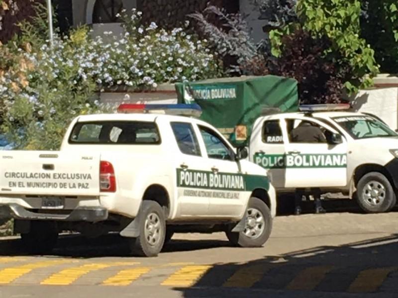 México denuncia asedio en embajada de Bolivia