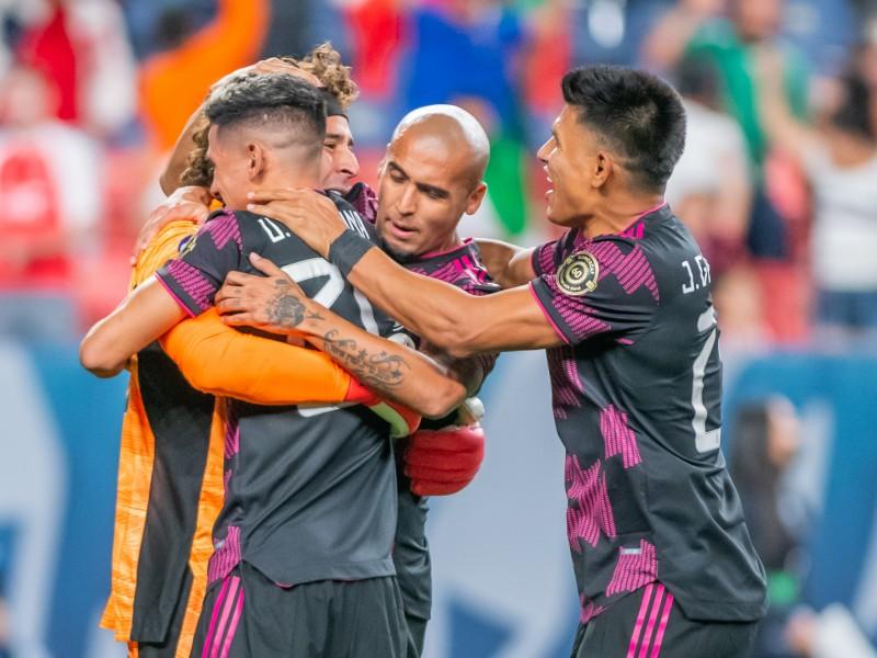 México sufre para vencer a Costa Rica