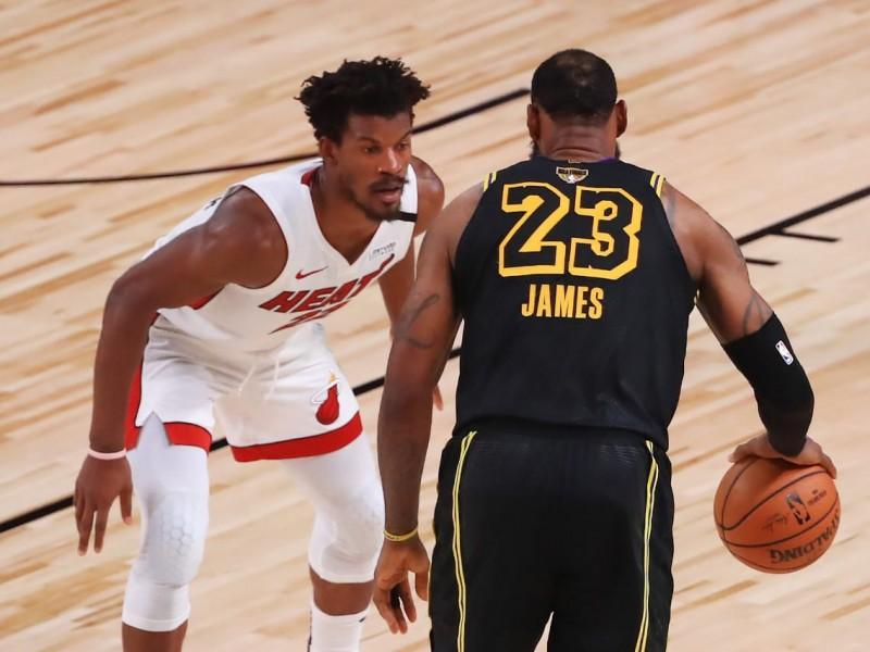 Miami venció a Lakers y forzó el sexto juego