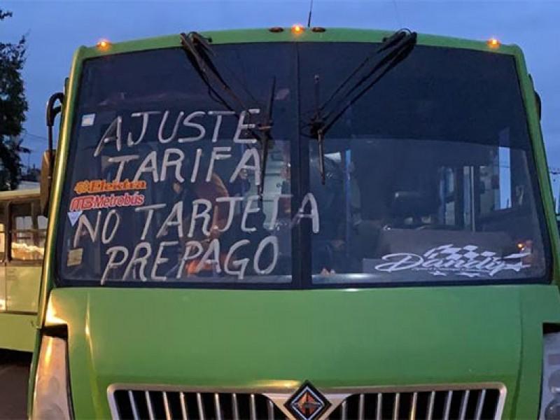 Microbuseros desquician la ciudad