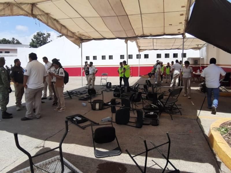 Migrantes africanos causan destrozos en el INMI
