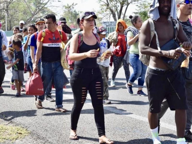Migrantes cubanos parten hacia el norte del país