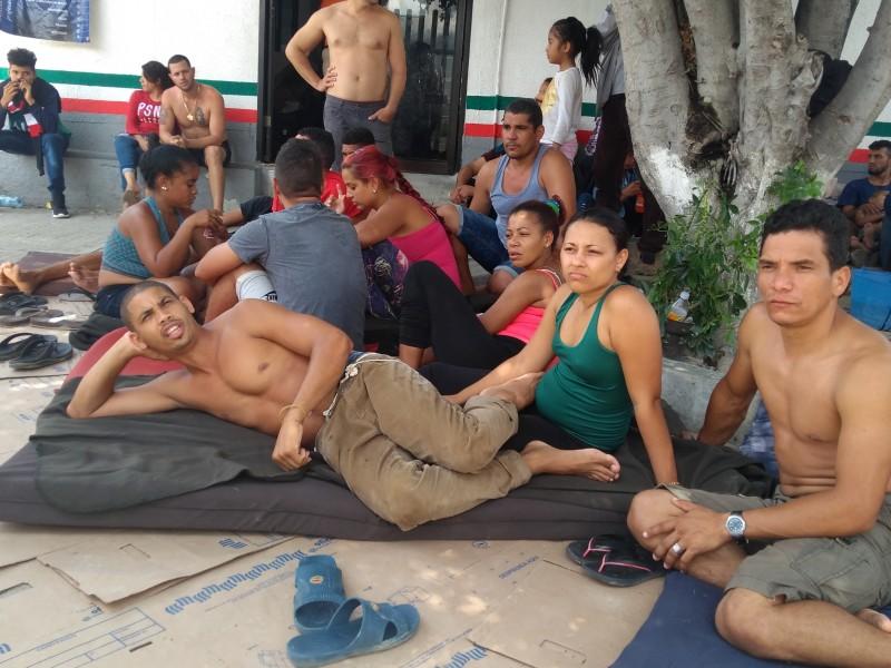 El hambre, el otro viacrucis de migrantes hacinados