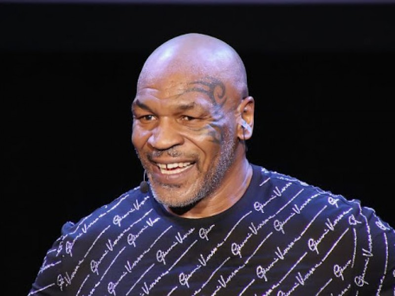 Mike Tyson sale del retiro a sus 54 años