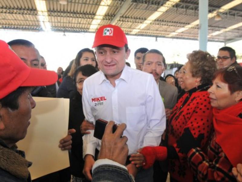 Mikel Arriola dialogó con vecinos de la GAM