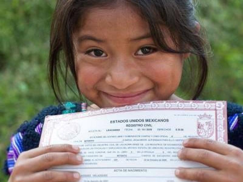 Miles de niños sin acta de nacimiento en México