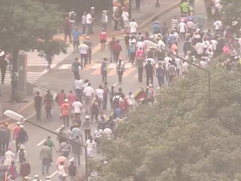 Miles de venezolanos se manifiestan contra Nicolás Maduro