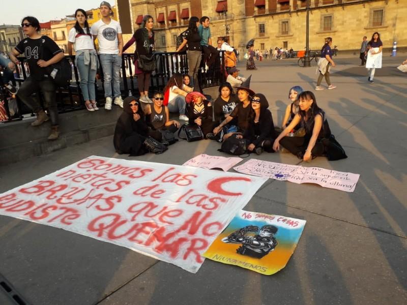 Miles marchan en CDMX vs violencia hacia mujeres