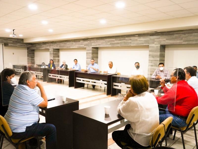 Mingo Vázquez se reúne con CANACO y CANACINTRA