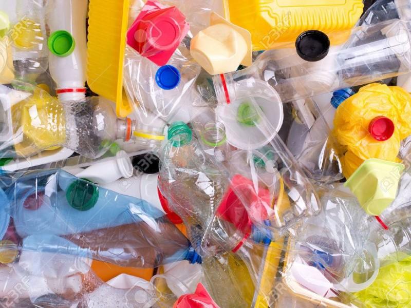Mitos sobre contagios a través de envases de plástico
