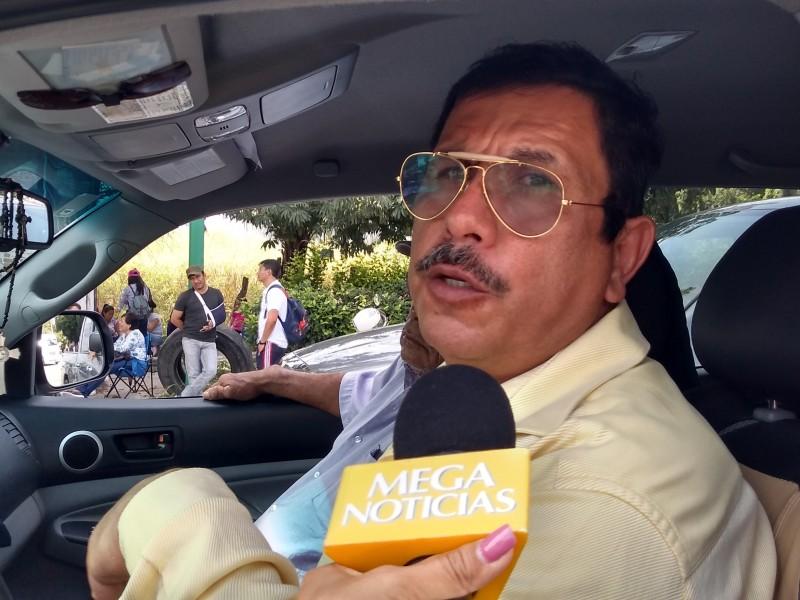Molestia en automovilistas por bloqueos de CNTE