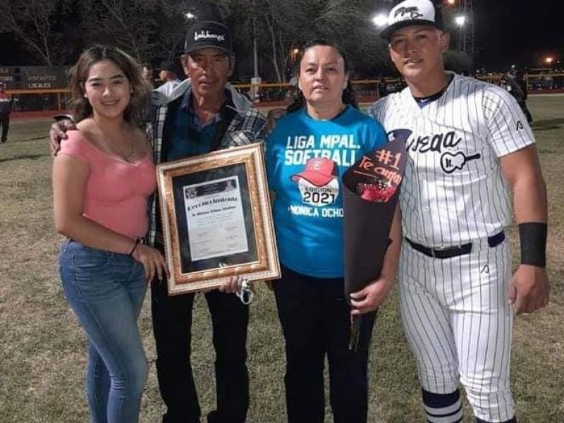Mónica Ochoa, orgullo del softbol femenil empalmense