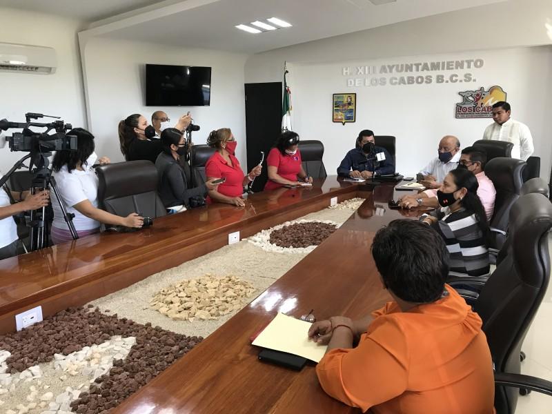 Monitoras se reúnen con diputados para buscar mejoras laborales