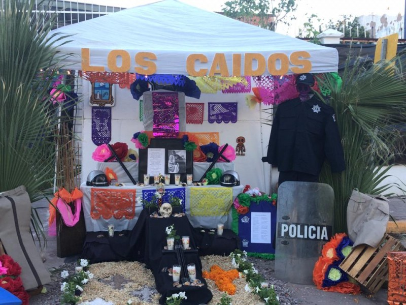 Montan altar a Policías caídos