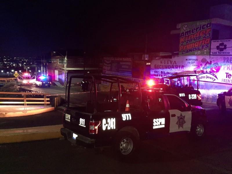 Motociclista muere apuñalado tras riña en Candiles