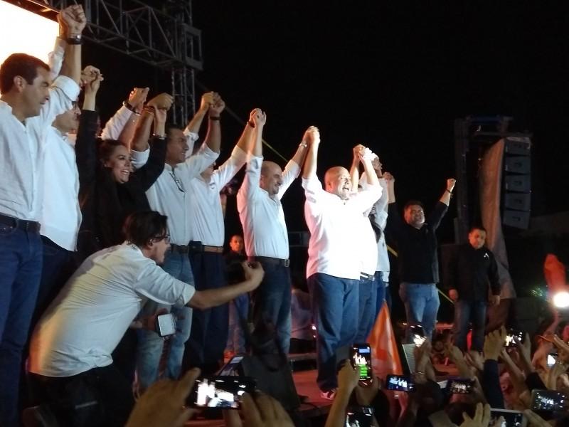 Movimiento Ciudadano festeja en la Minerva