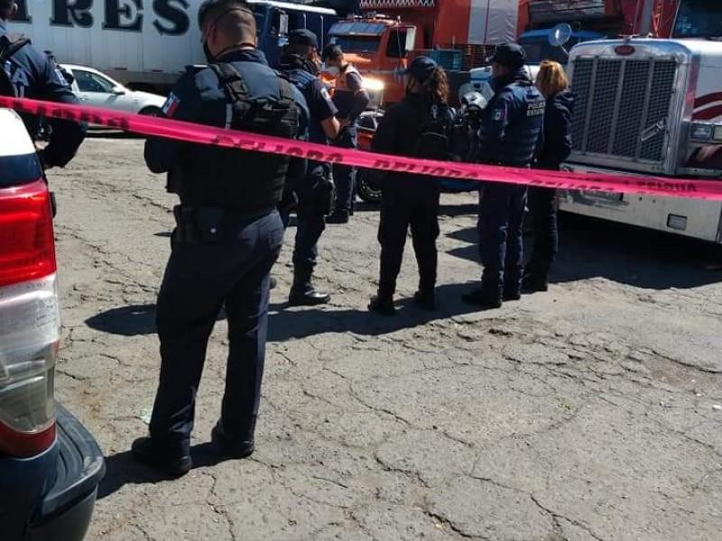 Muere cargador en Central de Abastos tras caer accidentalmente
