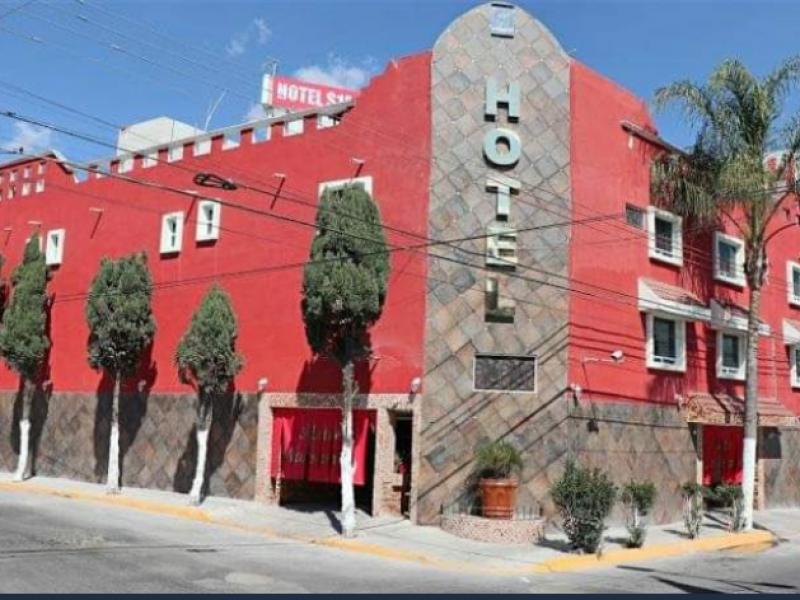 Muere de infarto masculino en interior de motel