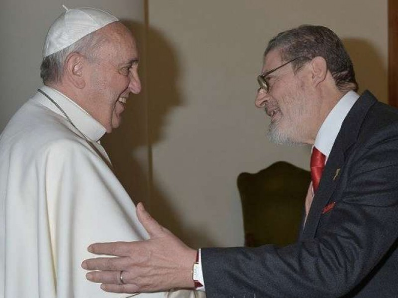 Muere el médico personal del papa, a causa de COVID-19
