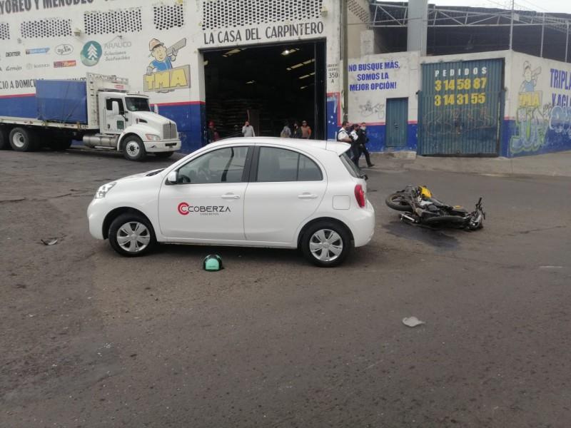 Muere motociclista tras choque contra vehículo en Morelia