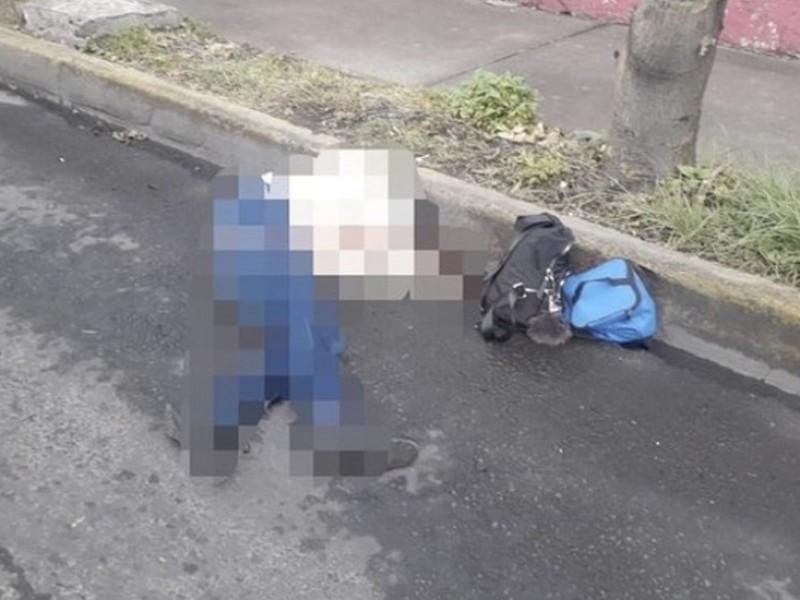 Muere mujer durante balacera en Avenida Central