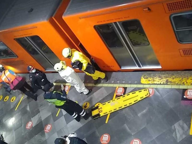 Muere mujer que se arrojó a las vías del Metro