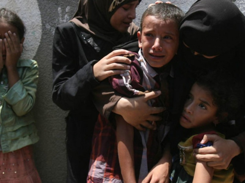 Muere niño palestino herido en ofensiva militar israelí