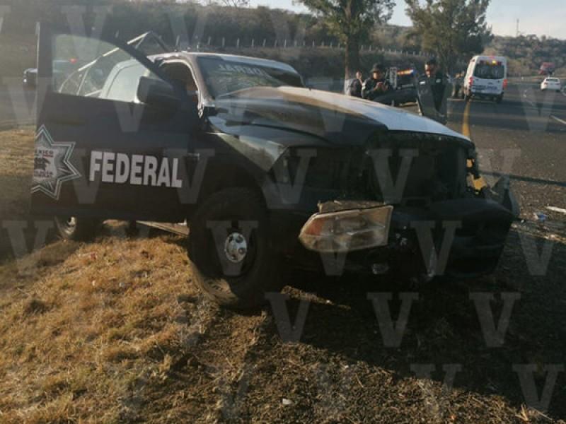 Muere oficial en accidente vehícular