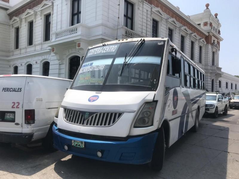 Muere persona en interior de camión en Veracruz