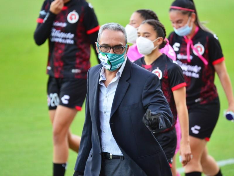 Muere por COVID-19 entrenador de Santos Laguna Femenil