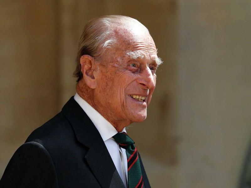 Muere Príncipe Felipe a los 99 años, U.K de luto