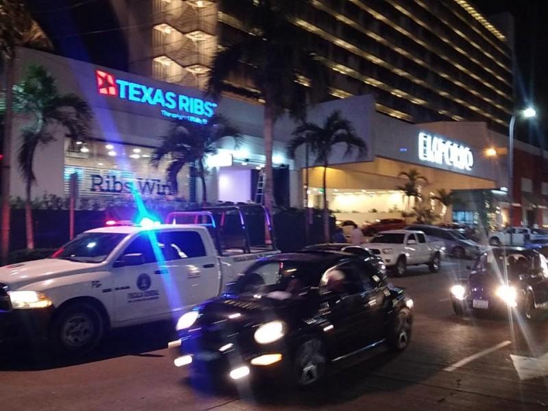 Muere turista al caer de hotel en Acapulco