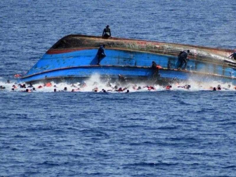 Mueren 5  al naufragar bote de contrabandistas en Libia