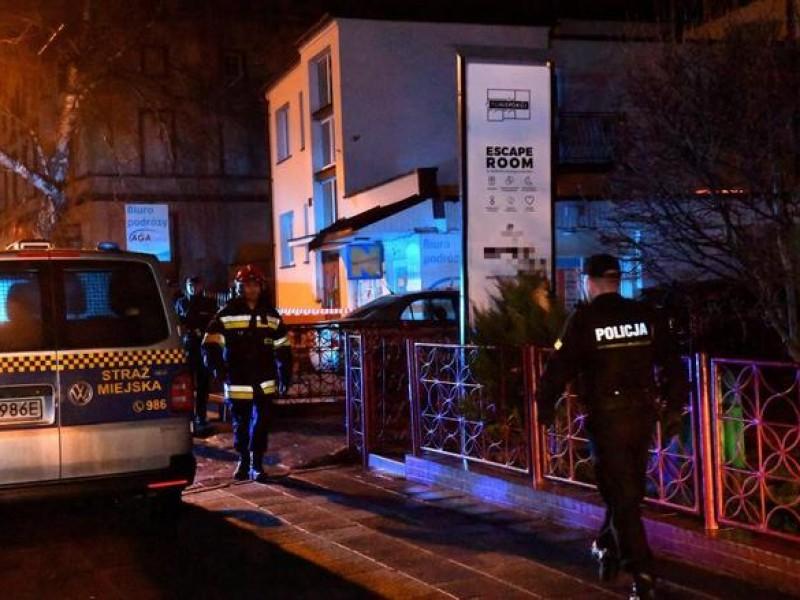 Mueren adolescentes por juego de escape en Polonia