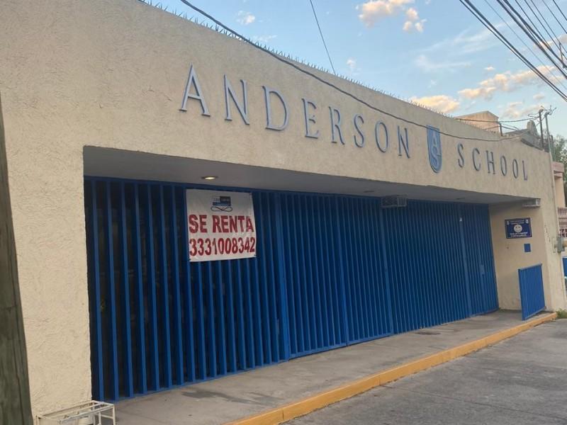 Mueren colegios en lucha contra pandemia