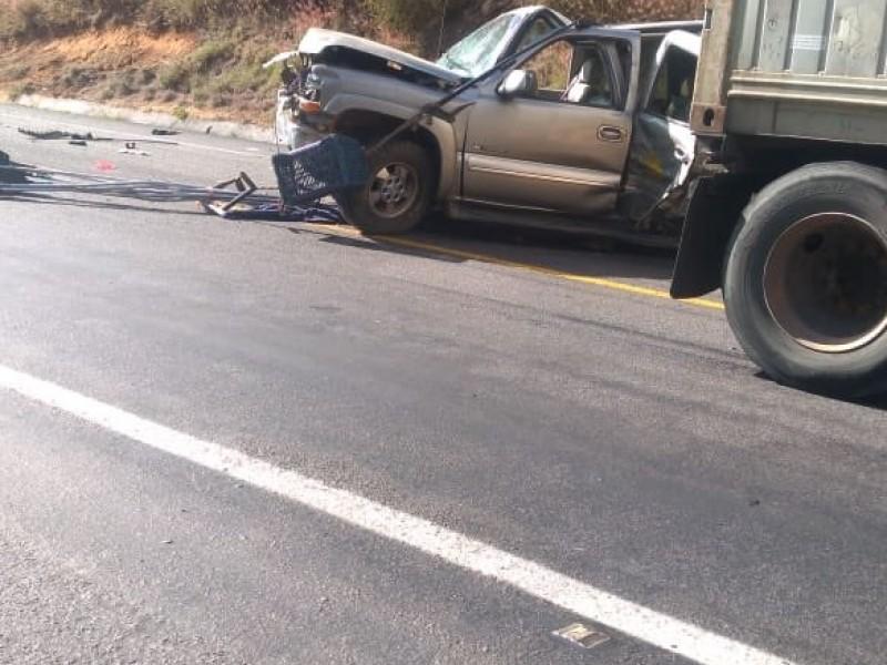 Mueren cuatro personas en accidente en Autopista Siglo XXI