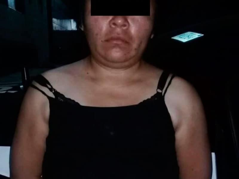 Mujer ebria amarra y golpea a su pareja