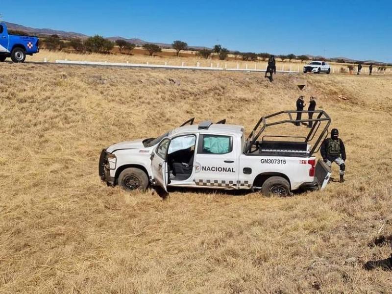 Mujer sin vida tras volcadura de vehículo de la GN