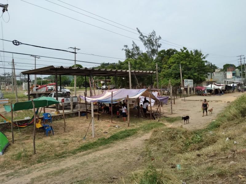 Mujeres de Vixhana se plantan en zona federal; buscan trabajo