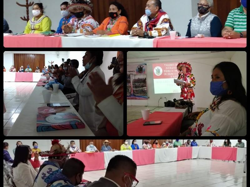 Mujeres indígenas entregan declaratoria a representantes de gobierno