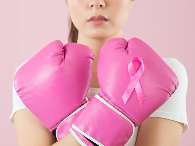 Mujeres que beben son más propensas al cáncer